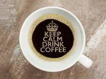 Utrzymanie spokojny i napój kawa Obrazy Royalty Free