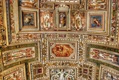 Utsökt tak av gallerit av översikter, Vaticanenmuseum, Rome arkivbild