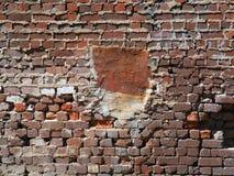 Utsatt gammalt murverk med grova Mortared skarvar royaltyfria foton