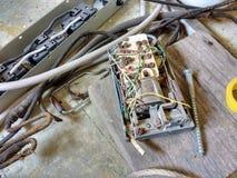 Utsatta elektriska trådar Royaltyfri Fotografi