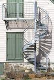 Utsidan röra sig i spiral trappuppgången Royaltyfri Bild