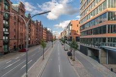 Utsikten av affärsgatorna i Hamburg Arkivbilder