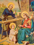 Utskrivaven bild Ypical för katolsk bild av den heliga familjen från slutet av 19 cent utskrivavet i Tyskland ursprungligen av de Arkivfoto