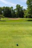 Utslagsplats av på golfbana royaltyfri foto