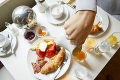 Utsmyckad franskafrukost Fotografering för Bildbyråer