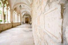 Utsmyckad inre av den dominikanska kloster i Dubrovnik Royaltyfria Foton