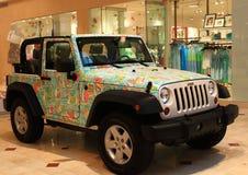 Utsmyckad jeep SUV Arkivbilder
