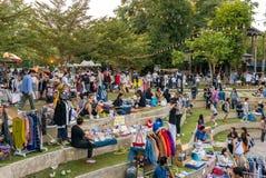 Utsmyckad modern handgjord marknad i Baan Kang Wat i Chiang Mai Arkivbilder