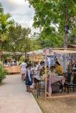 Utsmyckad modern handgjord marknad i Baan Kang Wat i Chiang Mai Arkivfoton