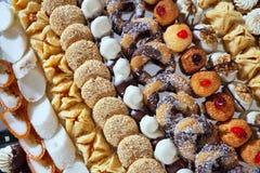 utsmyckad tabell för bankettcakes Royaltyfria Bilder