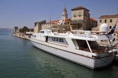 utsmyckad yacht Royaltyfria Bilder