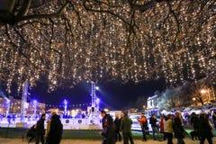 Utsmyckade Zagreb på adventtid Arkivbilder