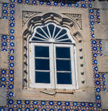 Utsmyckat fönster Sintra Portugal royaltyfria foton