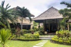 Utsmyckat hotellrum i Bali, Indonesien arkivbilder
