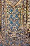 Utsmyckat keramiskt för tempelvägg, Thailand arkivbild