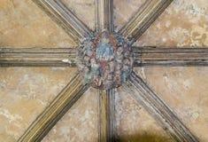 Utsmyckat klostertakframstickande arkivbilder