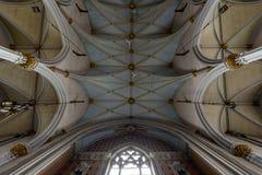 Utsmyckat målat tak - övergiven kyrka arkivfoto