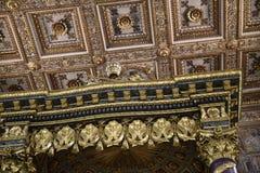 Utsmyckat tak av basilikan av Santa Maria Maggiori i Rome Italien fotografering för bildbyråer