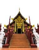 Utsmyckat tillträde in i templet i Chiang Mai fotografering för bildbyråer