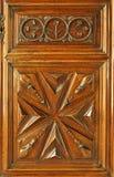 utsmyckat trä för dörr royaltyfri foto