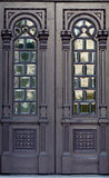 utsmyckat trä för dörrar royaltyfria foton