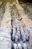 Utställning av den berömda kinesiska terrakottaarmén i Xian China Royaltyfri Fotografi