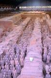 Utställning av den berömda kinesiska terrakottaarmén i Xian China Fotografering för Bildbyråer