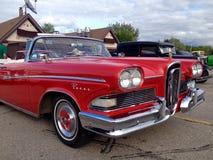 Utställning av gamla och retro bilar arkivfoto