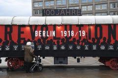 UTSTÄLLNING BERLIN 100 ÅR PÅ EXALNDERPLATZ BERLING royaltyfria foton