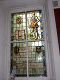 Utställning för målat glassfönster i det regements- museet i stadsmuseet i Lancaster England i mitten av staden royaltyfria bilder