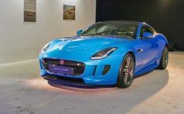 Utställning med Jaguar F-TYPE i Kiev, Ukraina Royaltyfria Bilder