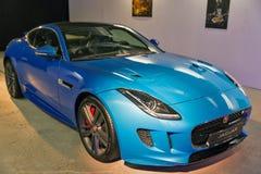 Utställning med Jaguar F-TYPE i Kiev, Ukraina Royaltyfria Foton