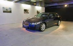 Utställning med Jaguar XE i Kiev, Ukraina Arkivfoto