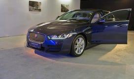 Utställning med Jaguar XE i Kiev, Ukraina Arkivfoton