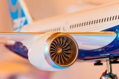Utställningen modellerar boeing flygplan 787 Ryssland Moscow Juli 2017 Arkivfoton