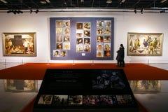 utställningmålningar royaltyfri foto