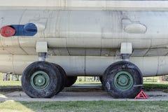 Utställningmodeller av flygplan som tas bort från frigöraren Arkivfoton
