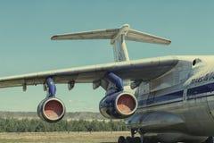 Utställningmodeller av flygplan som tas bort från frigöraren Fotografering för Bildbyråer