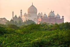 uttar阿格拉印度mahal pradesh日落的taj 图库摄影
