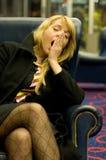 uttråkad kvinna Arkivbild