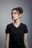 Uttråkade upprivna rullningsögon för tonårs- flicka Arkivbilder