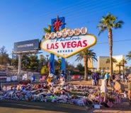 Uttryck av beklagande på det Las Vegas tecknet efter terrorattack - LAS VEGAS - NEVADA - OKTOBER 12, 2017 royaltyfri foto
