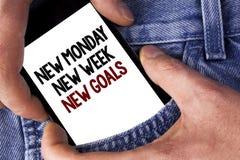 Uttrycka för den nya nya mål måndag för handstiltext nya veckan Affärsidéen för att nästa veckaupplösningar ska göra listamål upp Arkivfoton