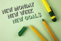 Uttrycka för den nya nya mål måndag för handstiltext nya veckan Affärsidéen för att nästa veckaupplösningar ska göra listamål upp Arkivbilder