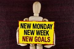 Uttrycka för den nya nya mål måndag för handstiltext nya veckan Affärsidéen för att nästa veckaupplösningar ska göra listamål upp Royaltyfri Foto