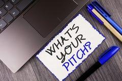 Uttrycka handstiltext vad är din gradfråga Affärsidé för det närvarande förslaget som introducerar projekt eller produkt som är s royaltyfria bilder