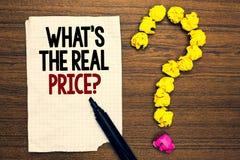 Uttrycka handstiltext vilket s är frågan för det verkliga priset Affärsidé för Give faktiskt värde av egenskapen eller affären royaltyfri bild