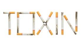 Uttrycka toxin som göras av isolerade cigaretter på vit bakgrund Arkivfoto