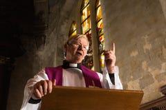 Uttrycker av en präst Royaltyfria Foton