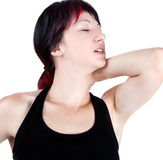 Uttrycksfull stående av kvinnan som har halsen att smärta arkivbild
